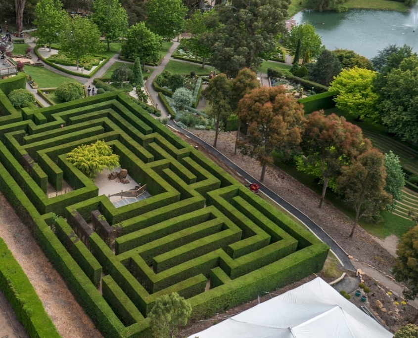 enchanted-garden-maze-arthurs-seat